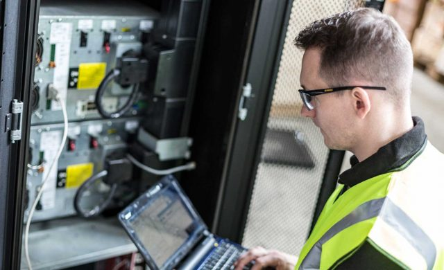A Look Into UPS Solutions for Data Centres